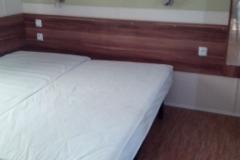 Schlafzimmer, chambre